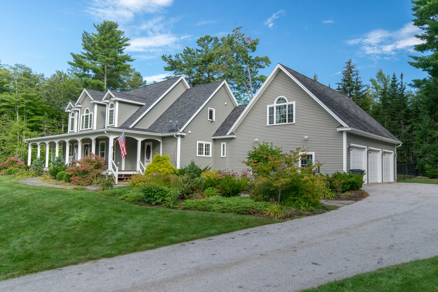 Luxury Country Home For Sale in Hampden, Maine