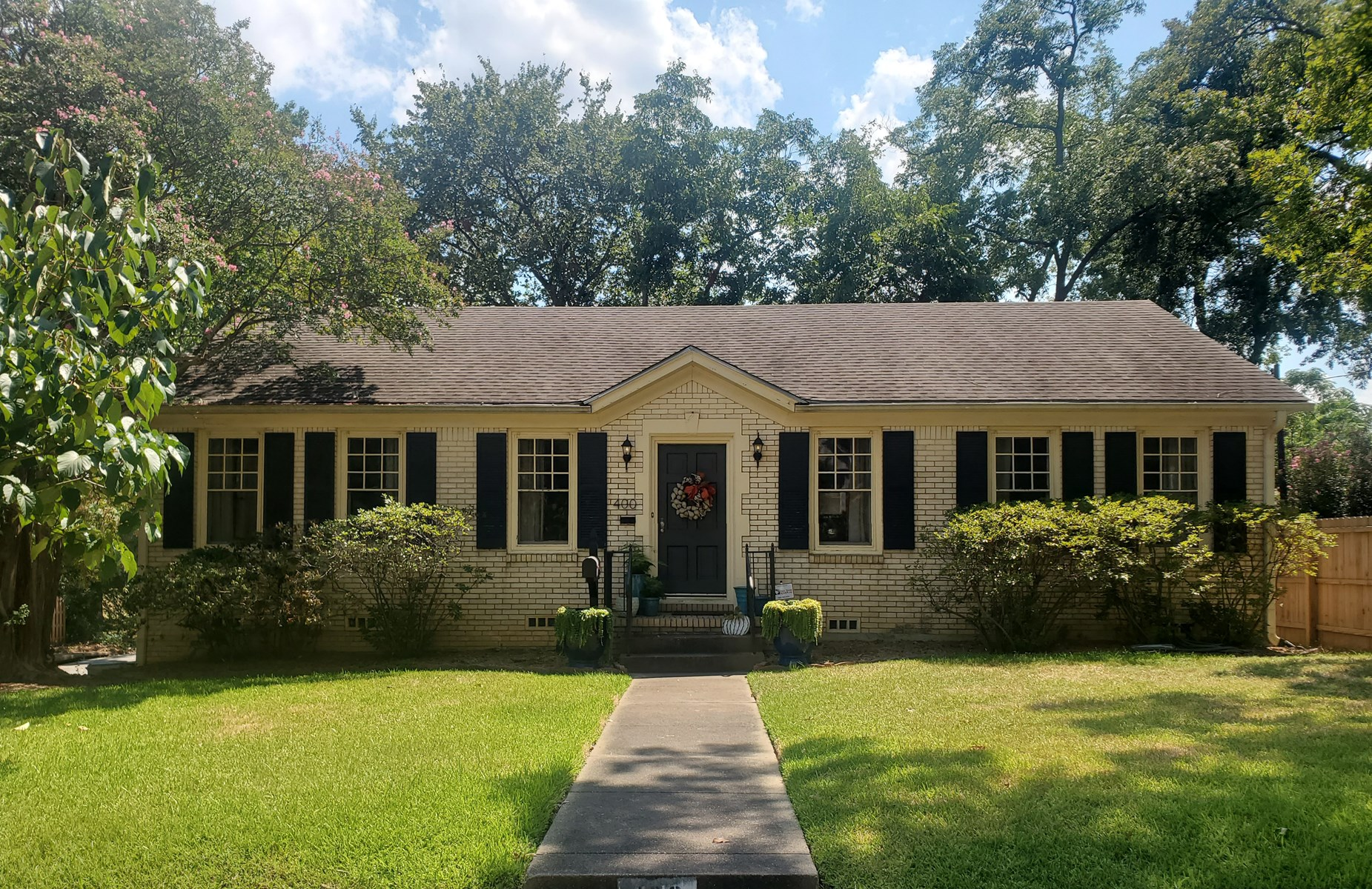 CHARMING HOME IN HISTORIC DOWNTOWN TYLER FOR SALE