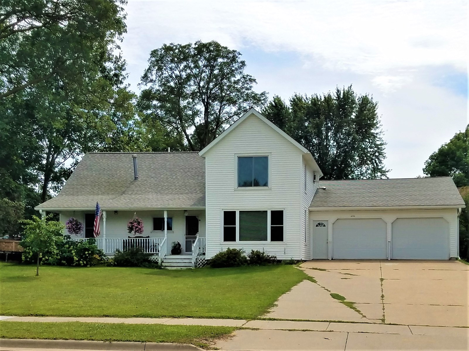Home for Sale in the City of Manawa, WI