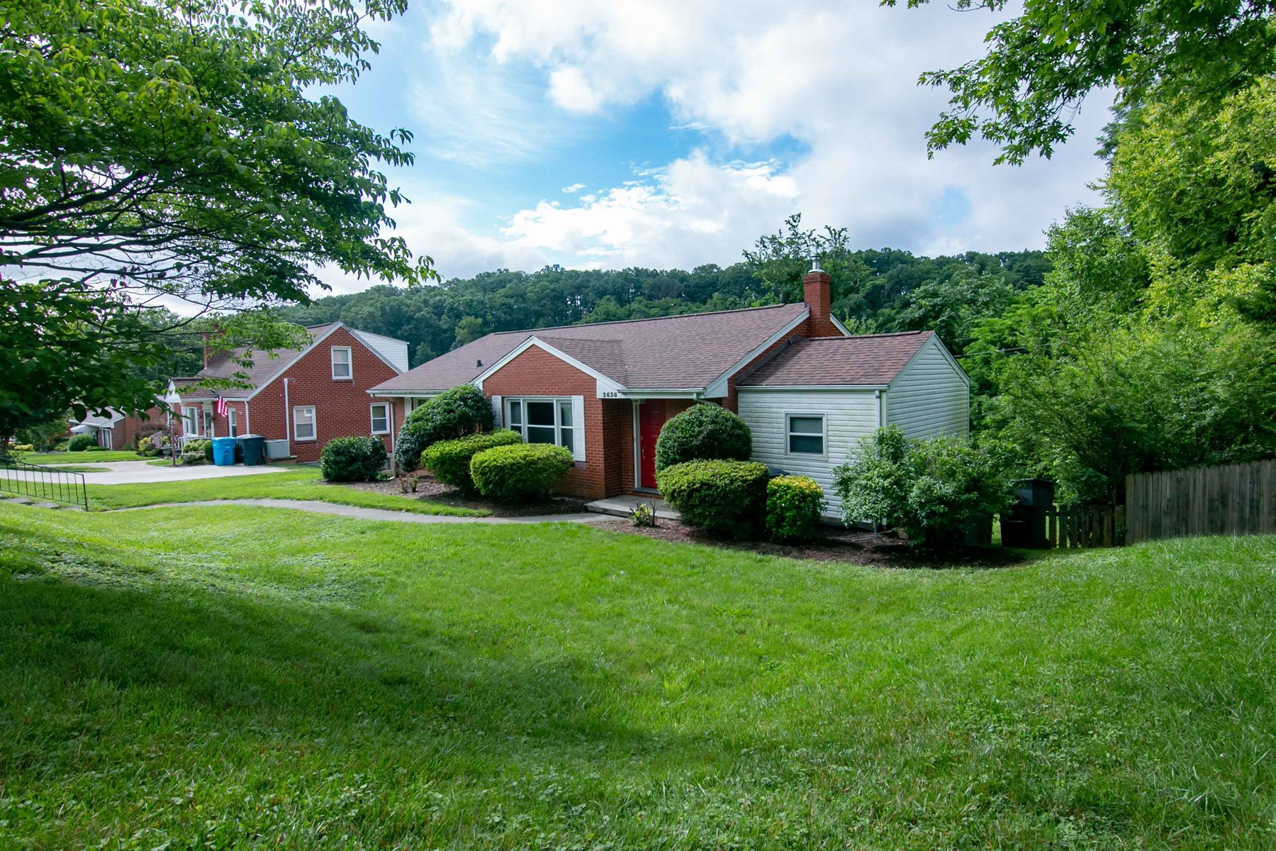 Home for Sale in Desirable Roanoke VA Neighborhood