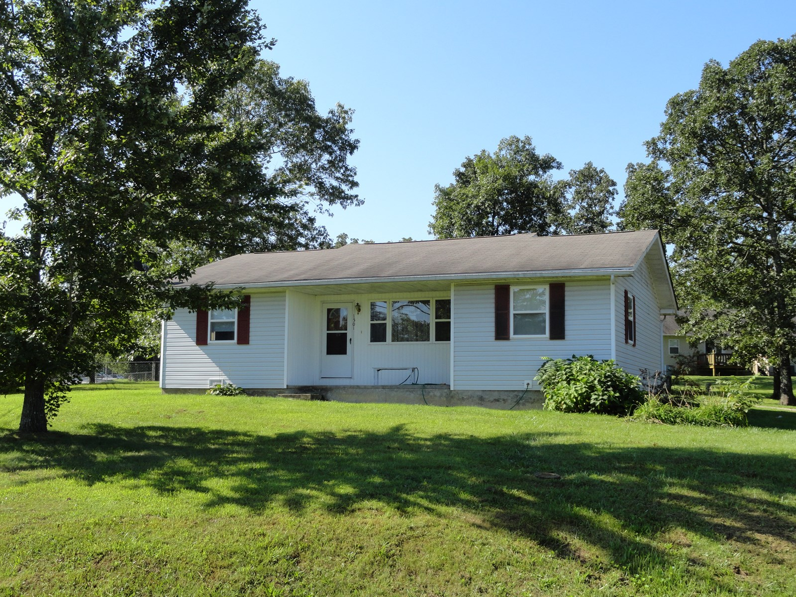 3 Bedroom, 2 Bath Ranch Home in Salem, MO!!