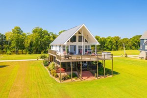 TENNESSEE RIVERFRONT HOME FOR SALE IN DECATURVILLE, TN