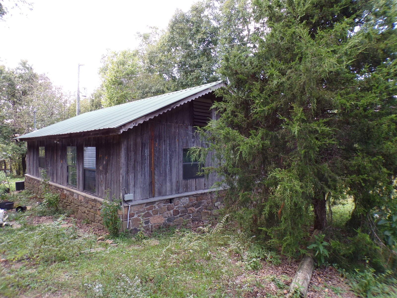Searcy Co Arkansas Hunting Cabin on 24.56 Acres For Sale