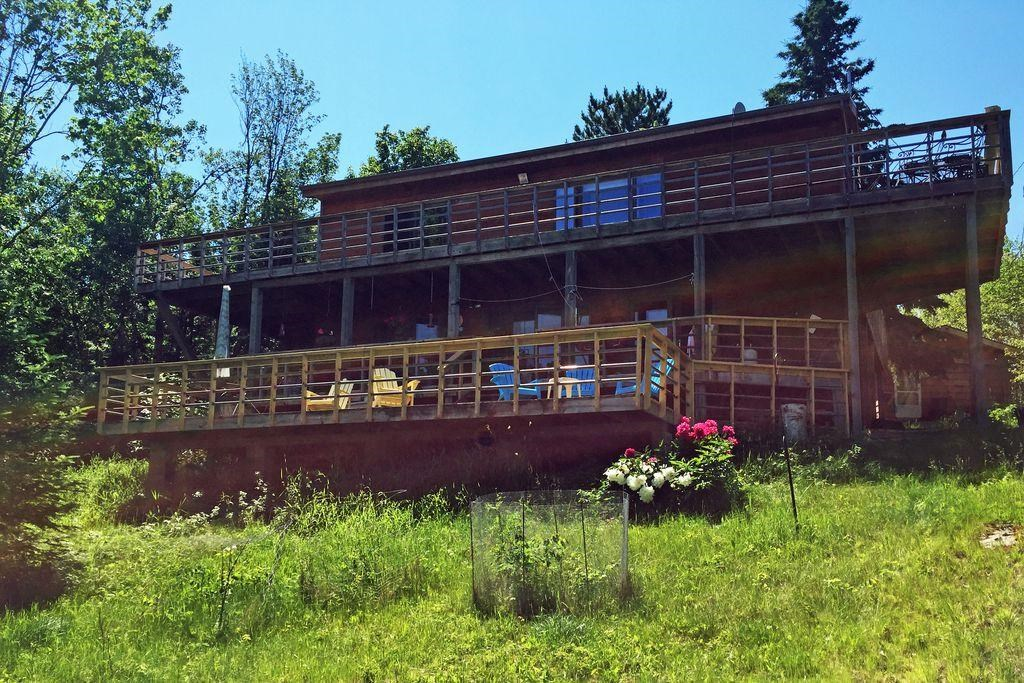 Lakefront home for sale International Falls, MN