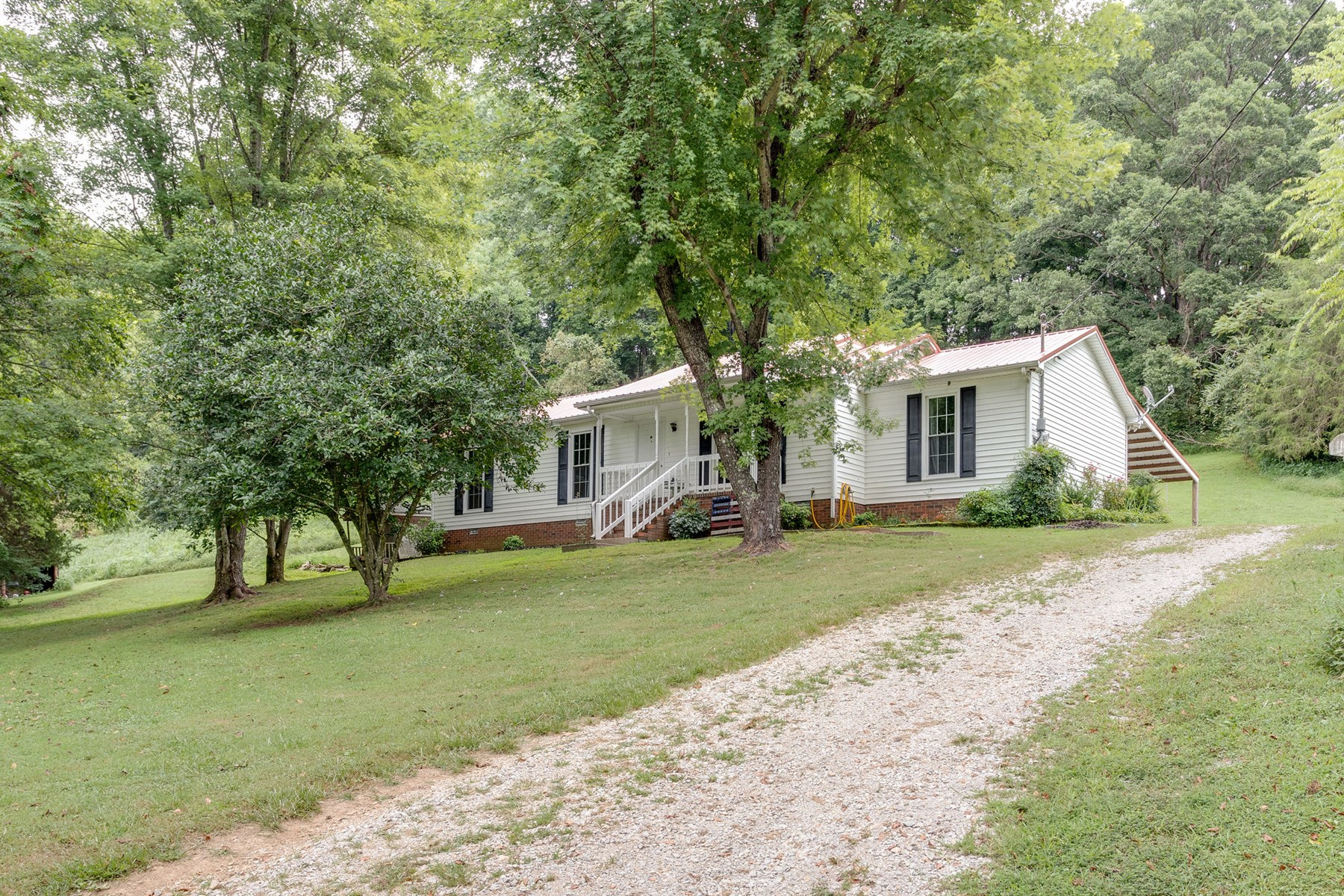 3 Bedroom/3 Full Bath Home in, Lynnville Tennessee