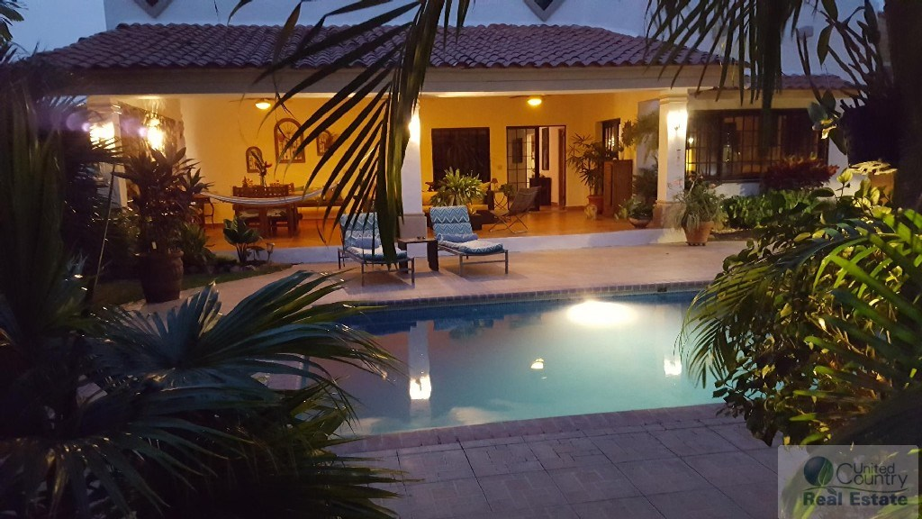 HOUSE FOR SALE IN CORONADO GOLF AND BEACH RESORT PANAMA