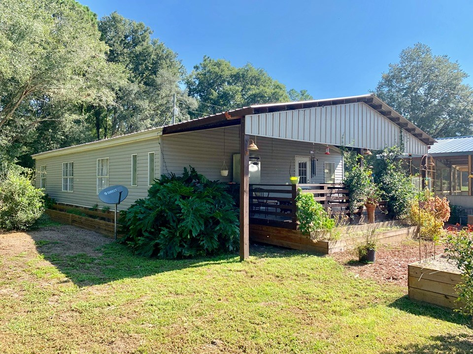 HOME FOR SALE ON 10 ACRES - OLD TOWN, DIXIE COUNTY, FL
