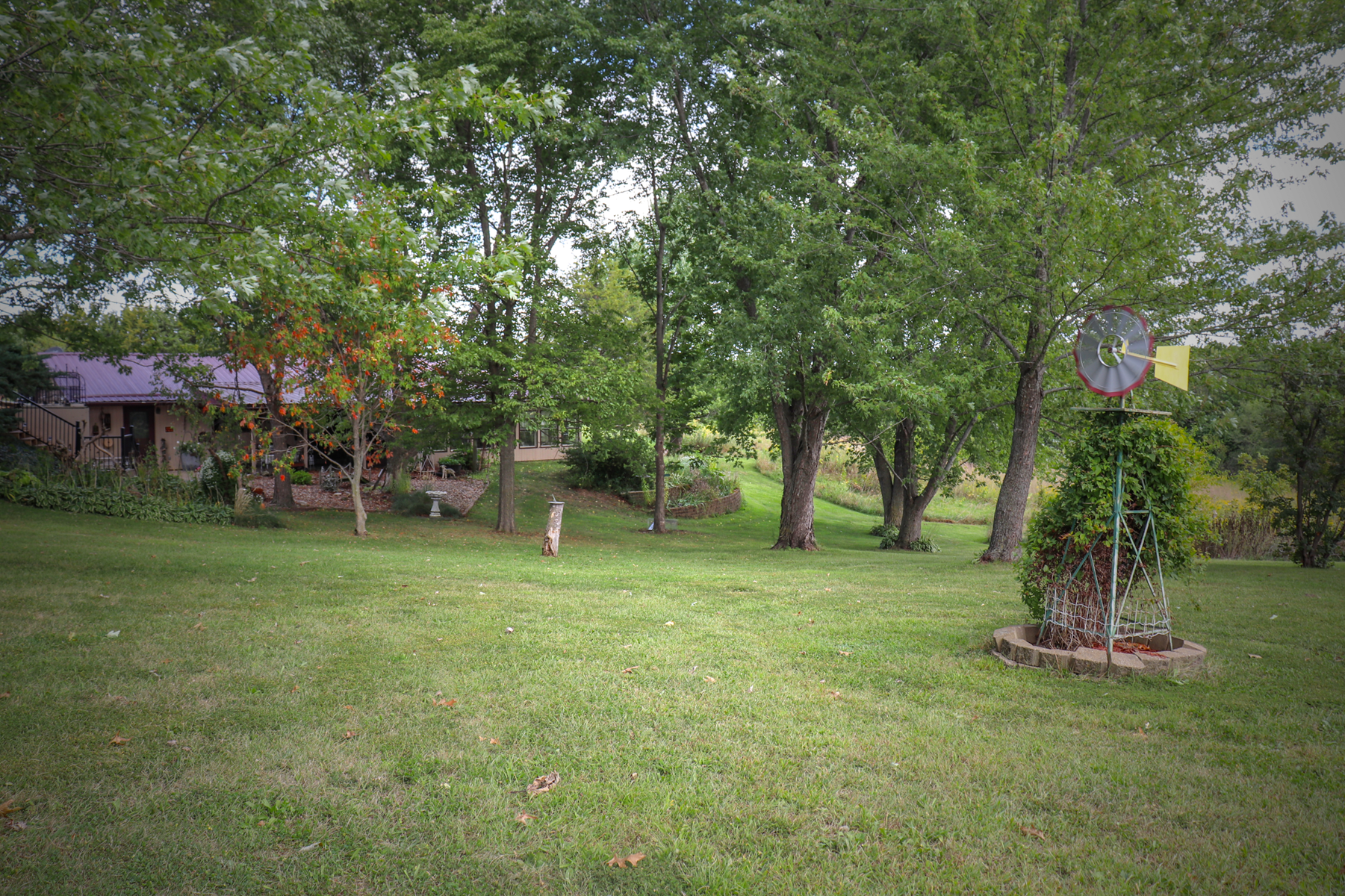 IA Home on Acreage For Sale, Hard Surface Road Van Buren Co.