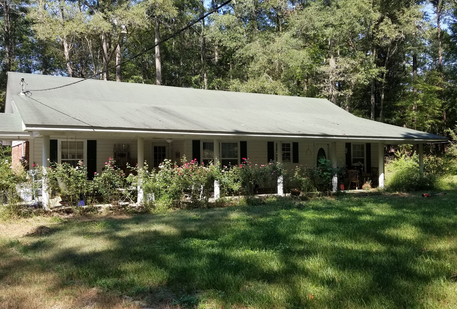 WEST OUACHITA HOME FOR SALE WITH 20 ACRES, POND, SHOP