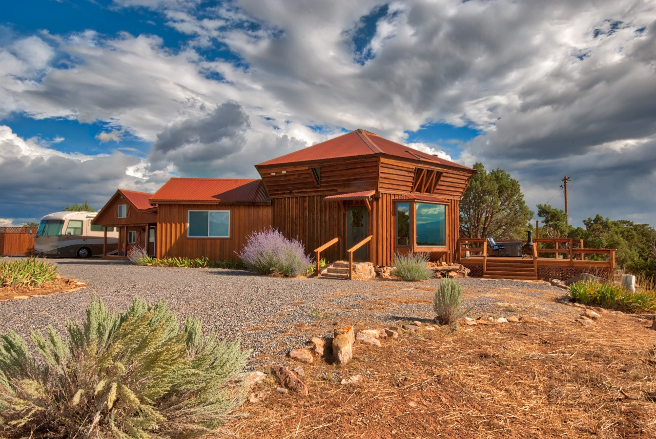 40 acres of secluded bliss with mountain views and privacy