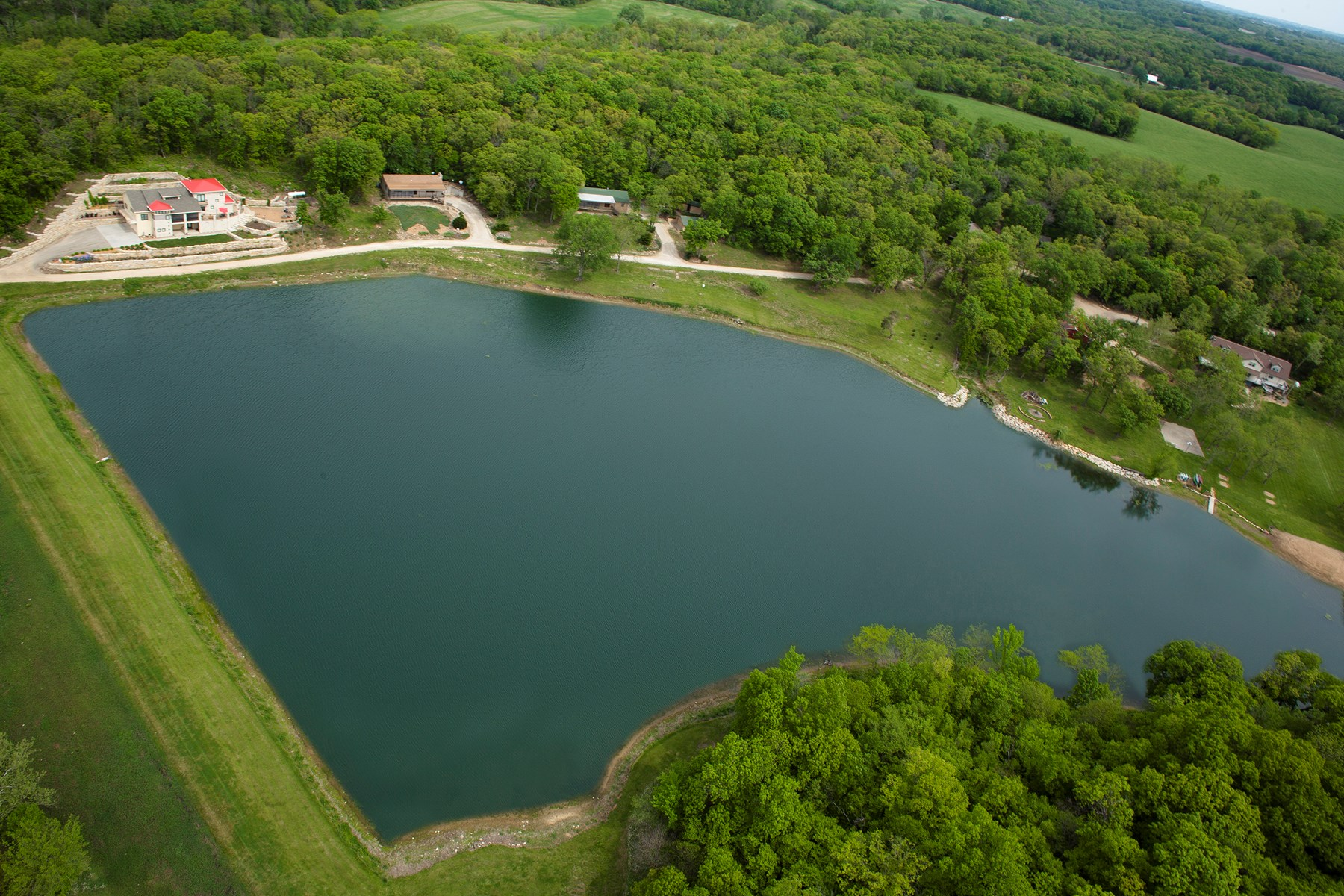 Luxury Lakeside Resort & Event Venue For Sale in Kansas