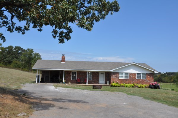 COUNTRY HOME ON 20 ACRES CATTLE, PASTURE & HAY FARM FOR SALE