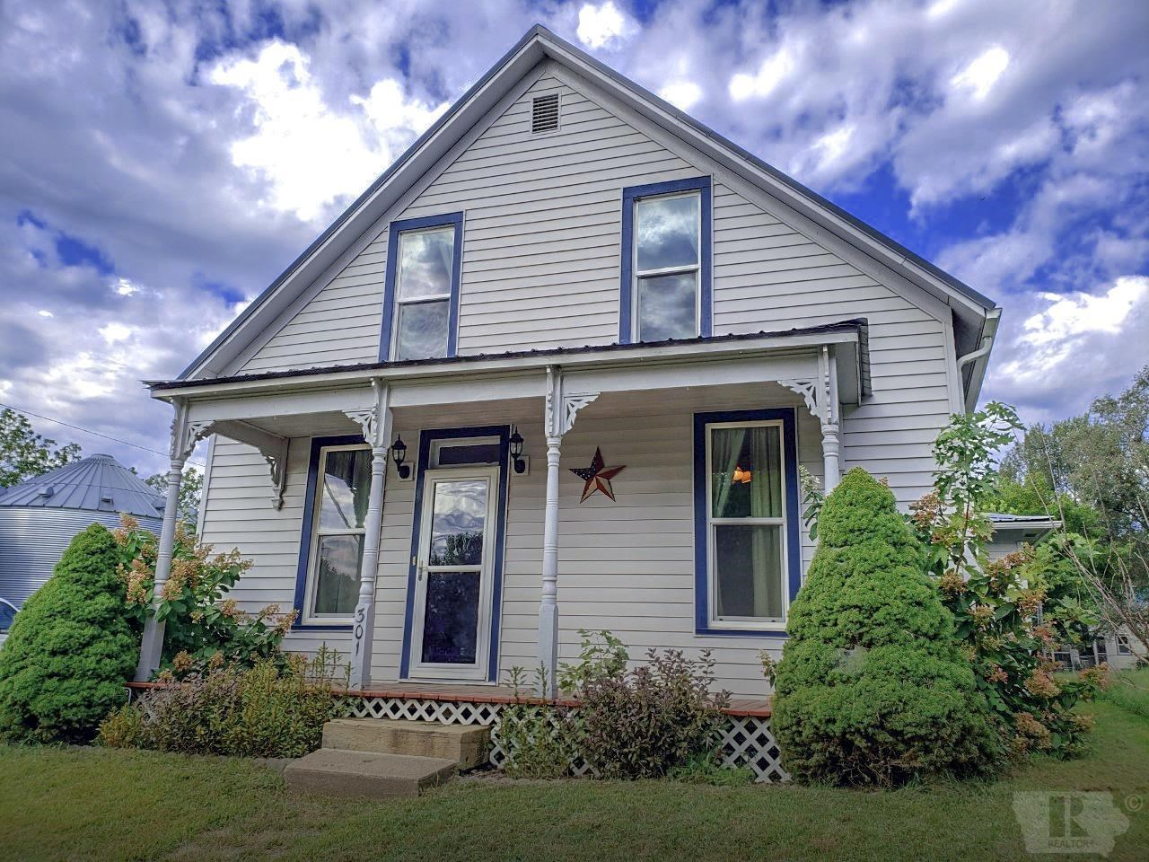 4-Bed, 1-Bath Home in Bonaparte, Iowa