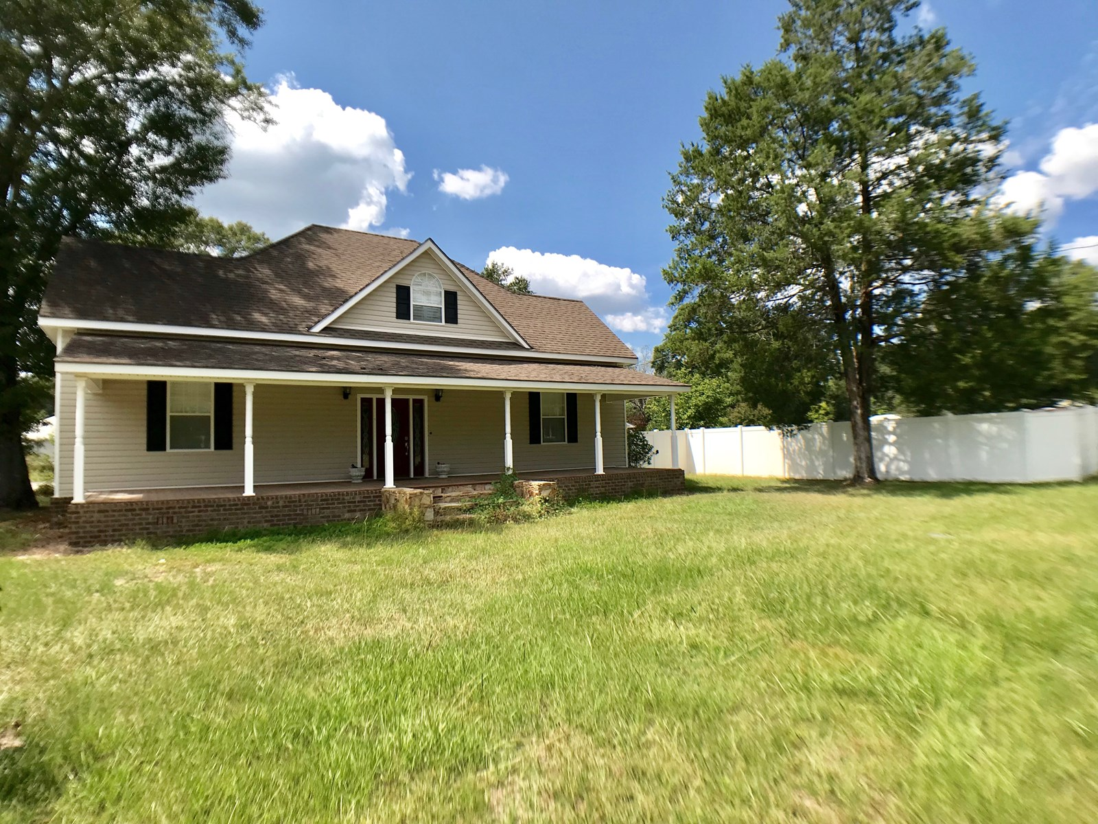 4B-4B Home for sale on Live Oak St, Geneva, Alabama