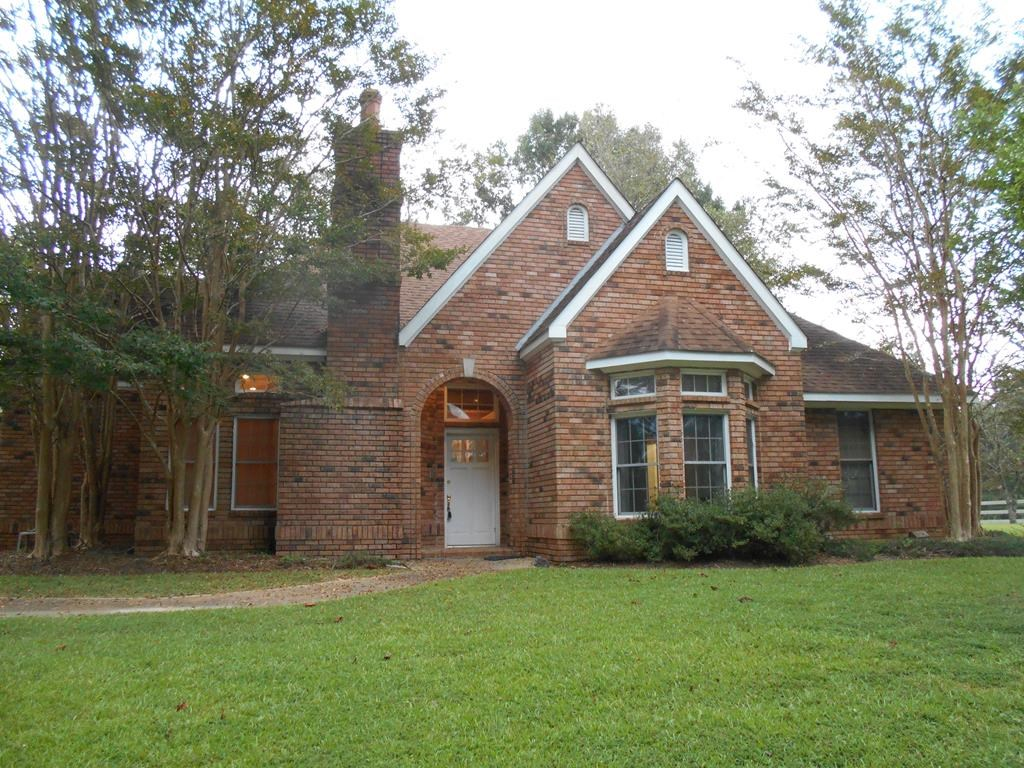 Custom Built Home on 11 Acres Franklin County Mississippi