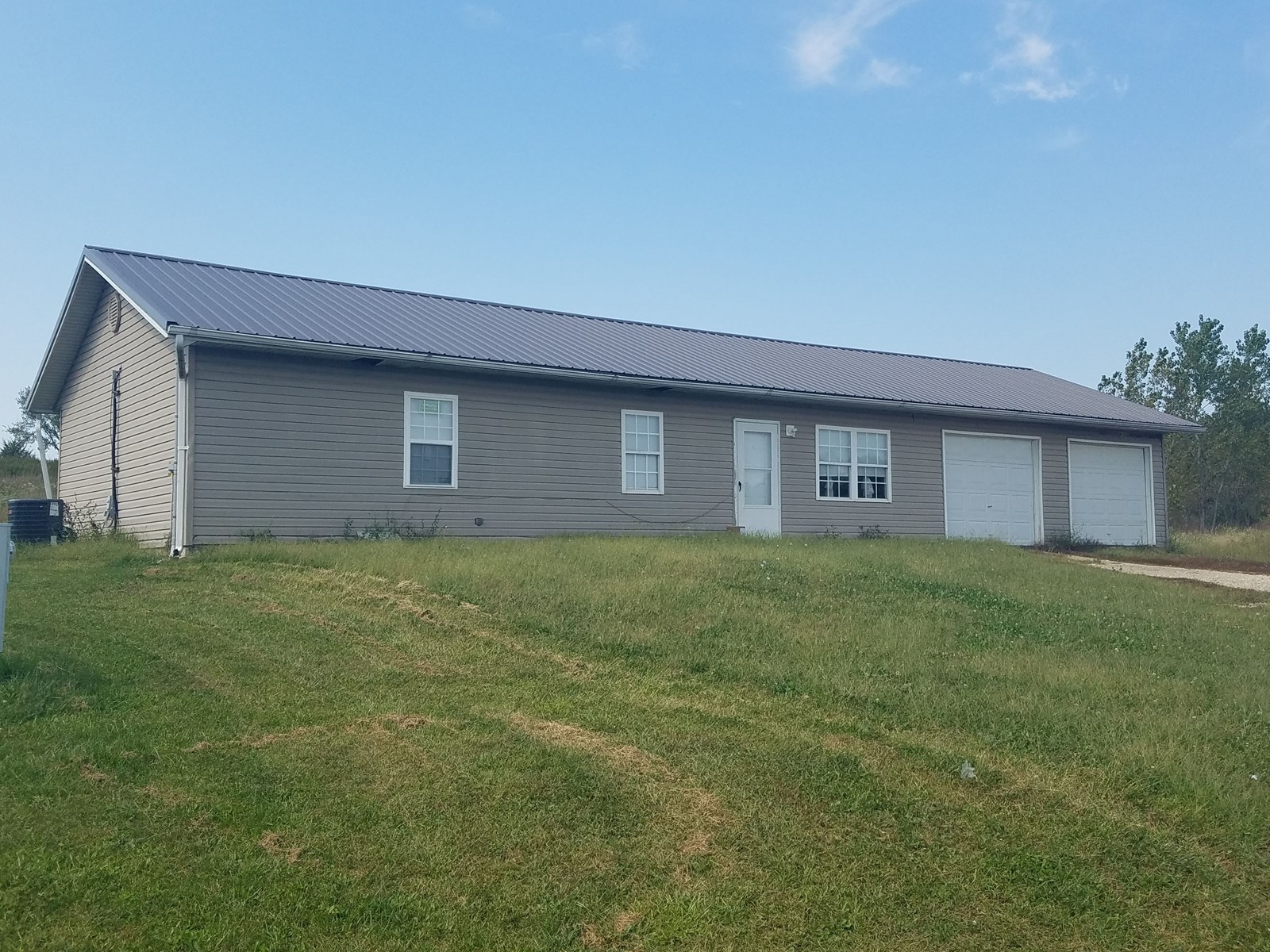 3 Bedroom 1 Bath House For Sale in Milan, MO