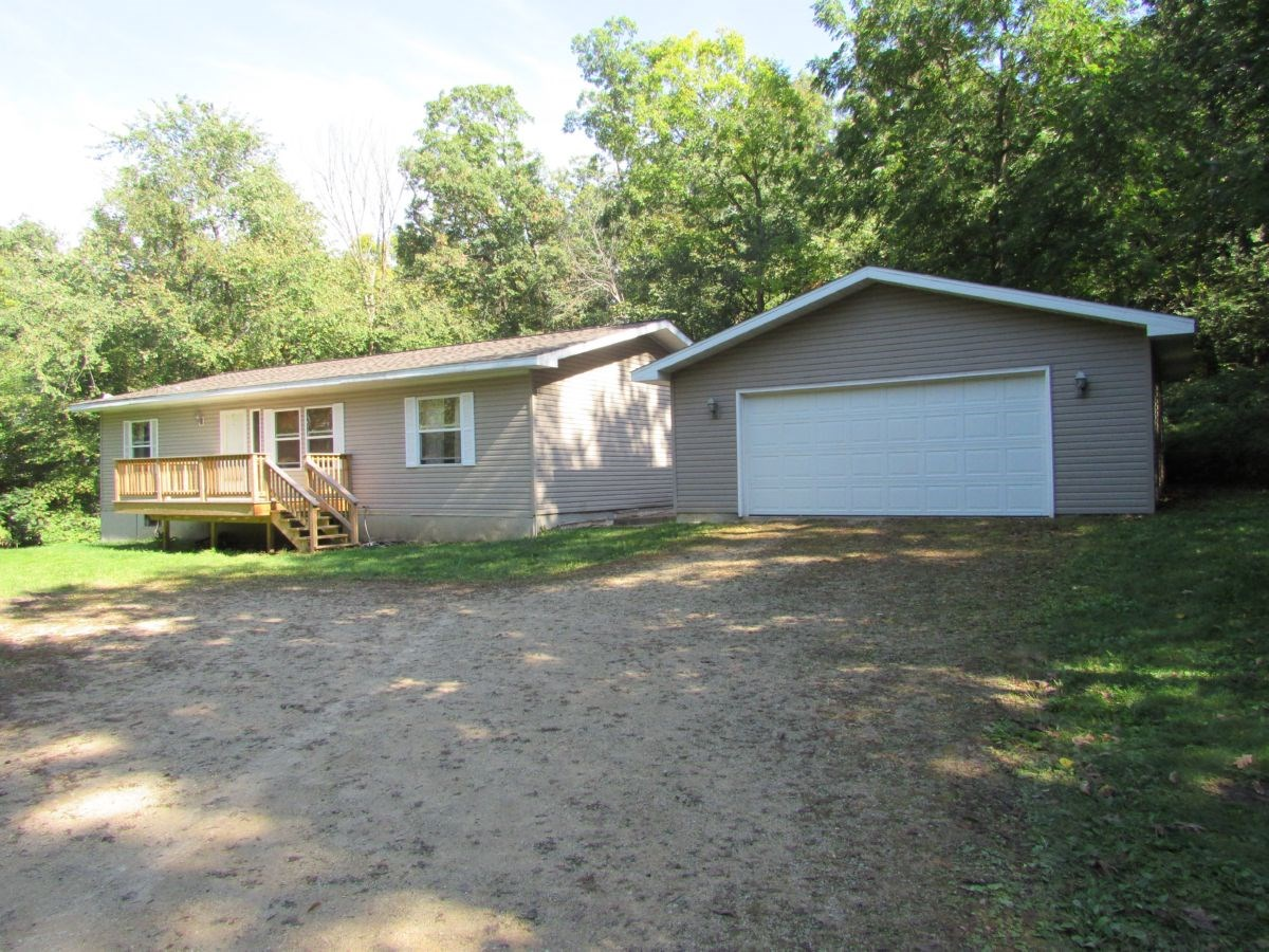 Country Home for Sale in Pardeeville WI
