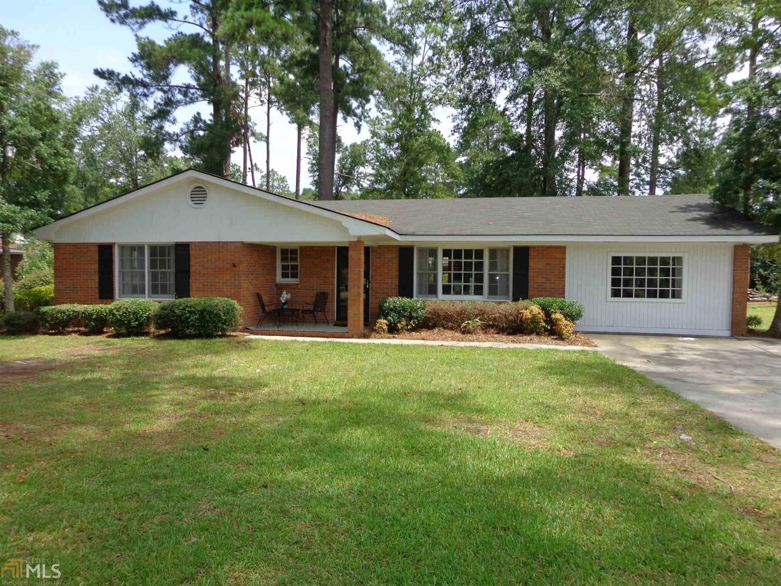 Newly Renovated 3BR, 2BA in Forest Heights of Sylvania, GA