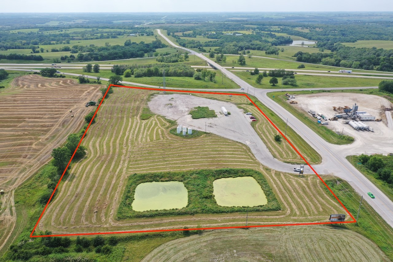Commercial Property For Sale in Iowa on Interstate 35