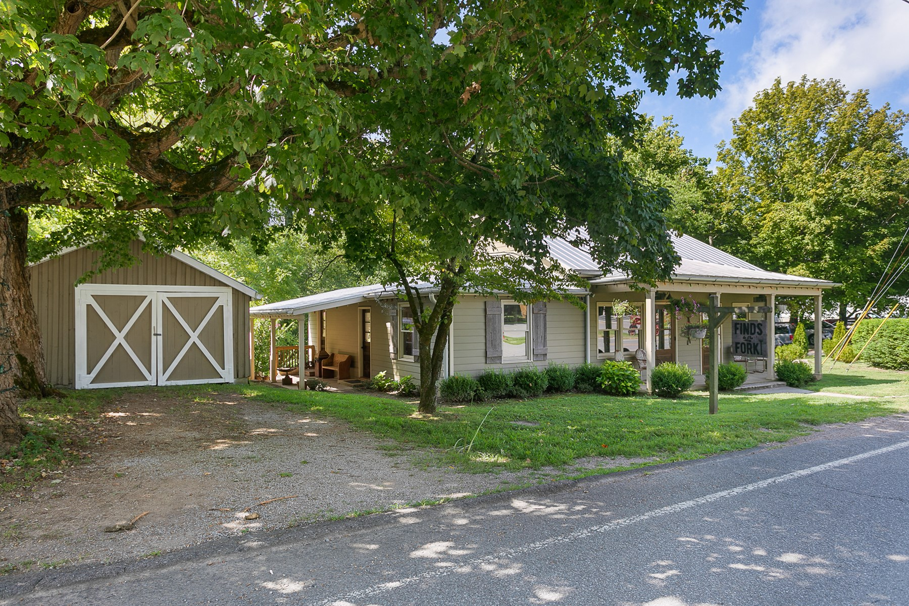 Village of Leipers Fork