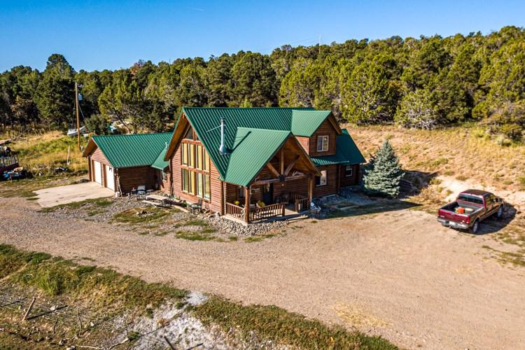 Log Home on 40 acres