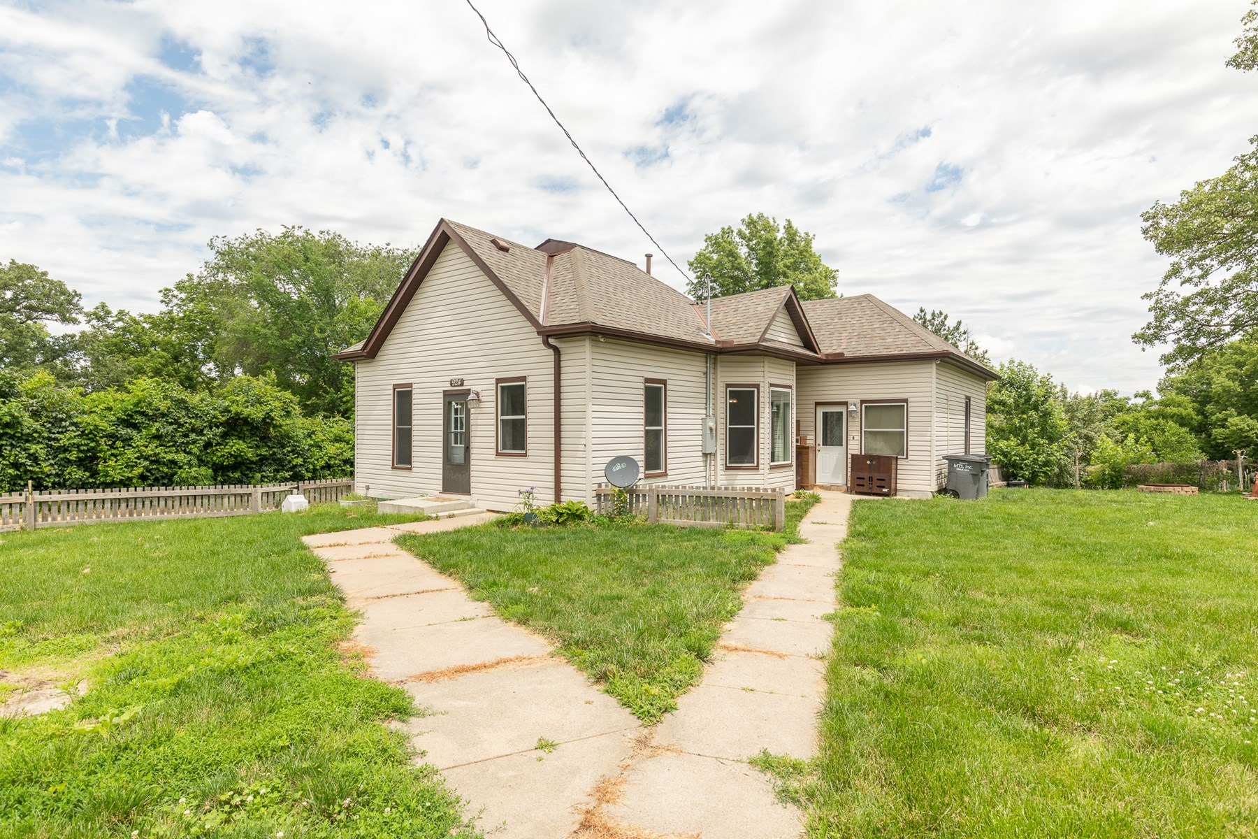 Home In Oakland, Iowa for sale