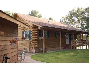 Log Home for Sale in Waupaca on Old Taylor Lake
