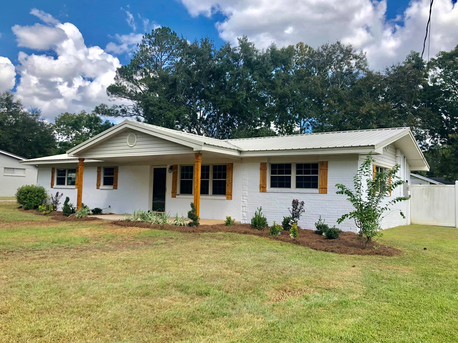 4B/2.5B Remodeled Home for sale in Slocomb, AL
