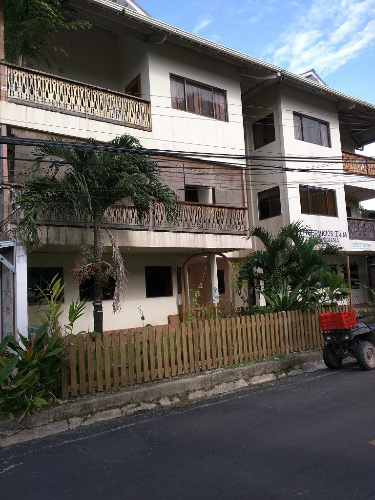 Bocas del Toro 2BR Condo, low fees, Ocean view