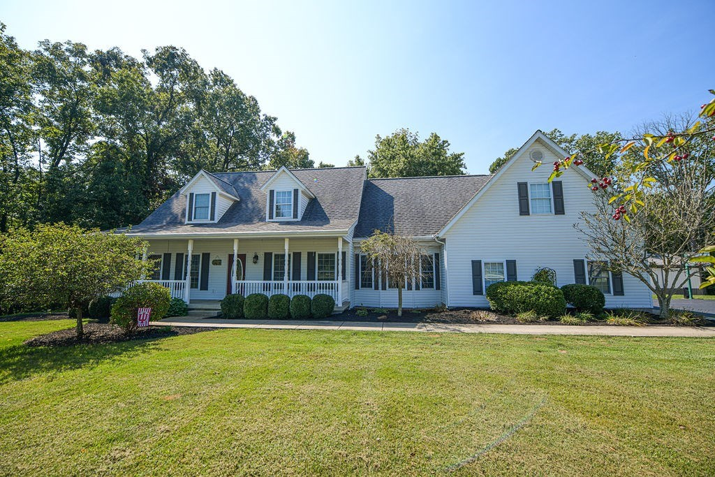 Green Hills Estate Country Home | Solsberry, Indiana