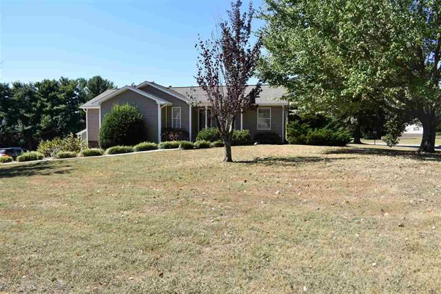 3 BR 2 BA Home in The Meadows in Morristown, TN For Sale