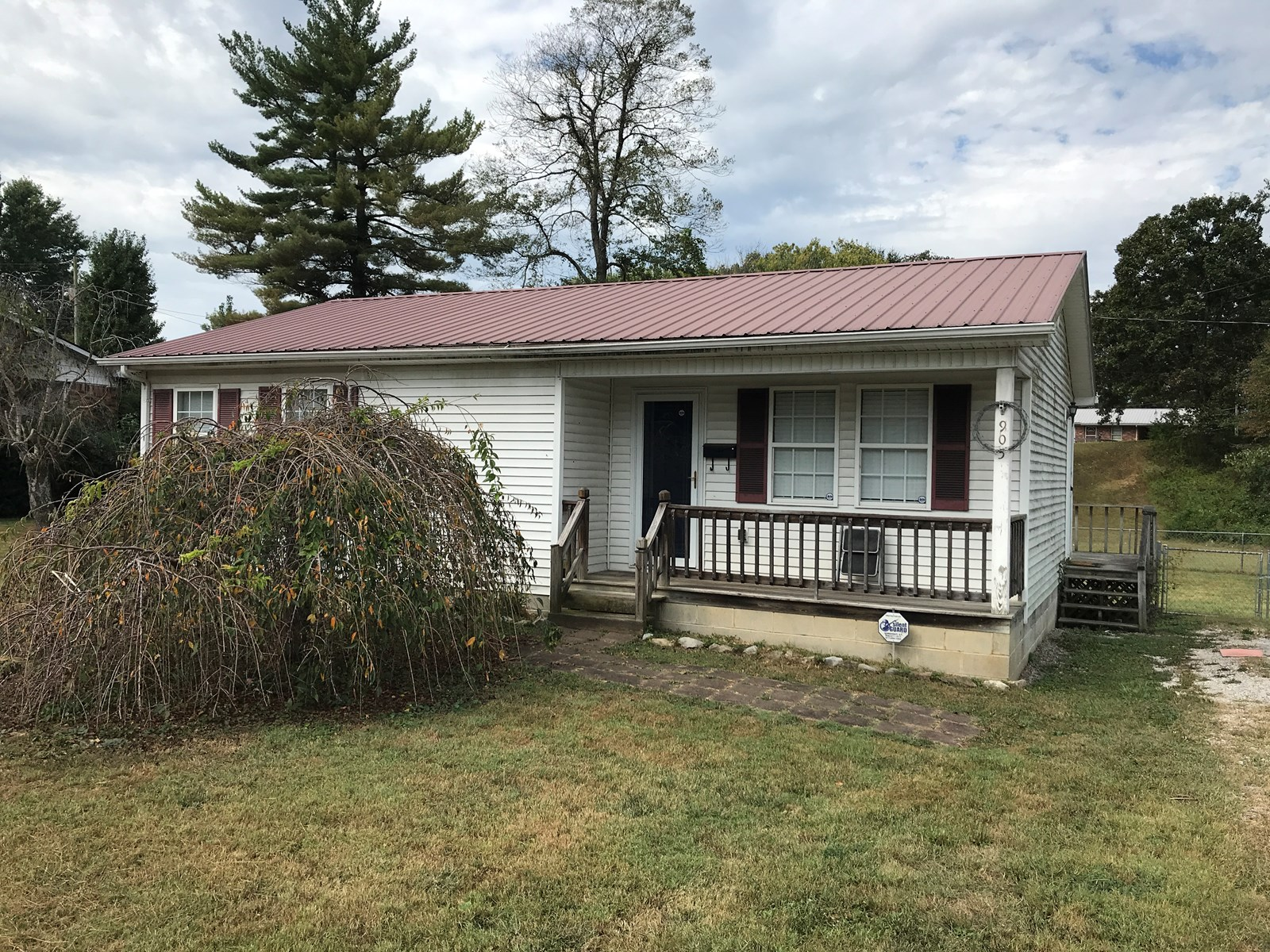 Home in Town for Sale in Albany, Kentucky