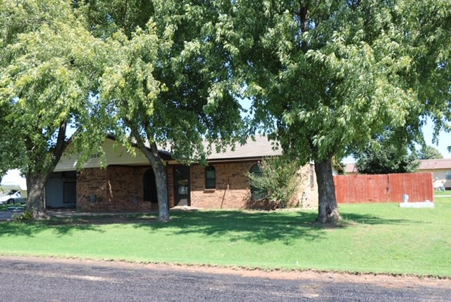Brick home is Thomas, OK For Sale