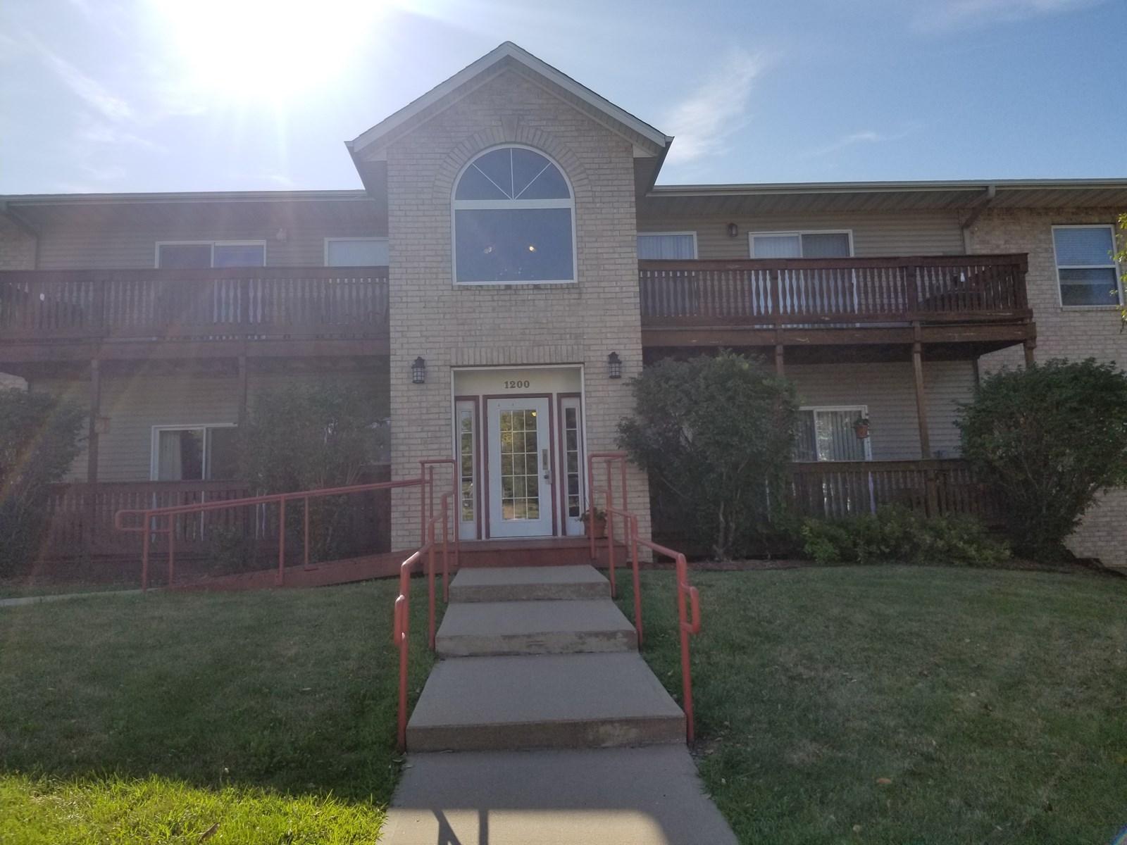 PRICE REDUCED  Coralville Condominium