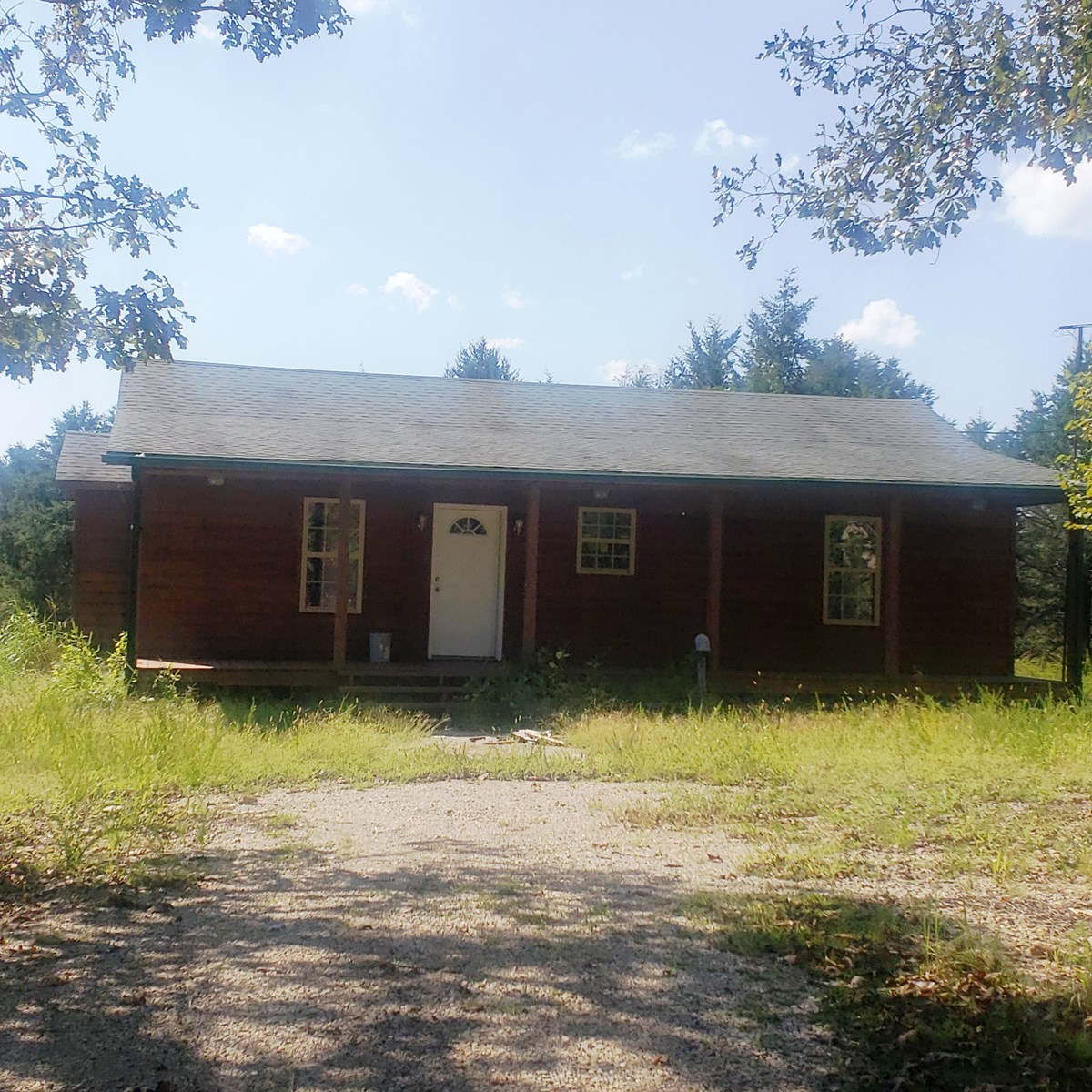 Cabin on 5+ Acres Hardy AR for sale