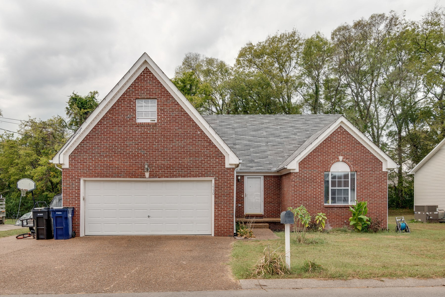 Partial Brick w/ Rec Room for Sale in Columbia, Tennessee