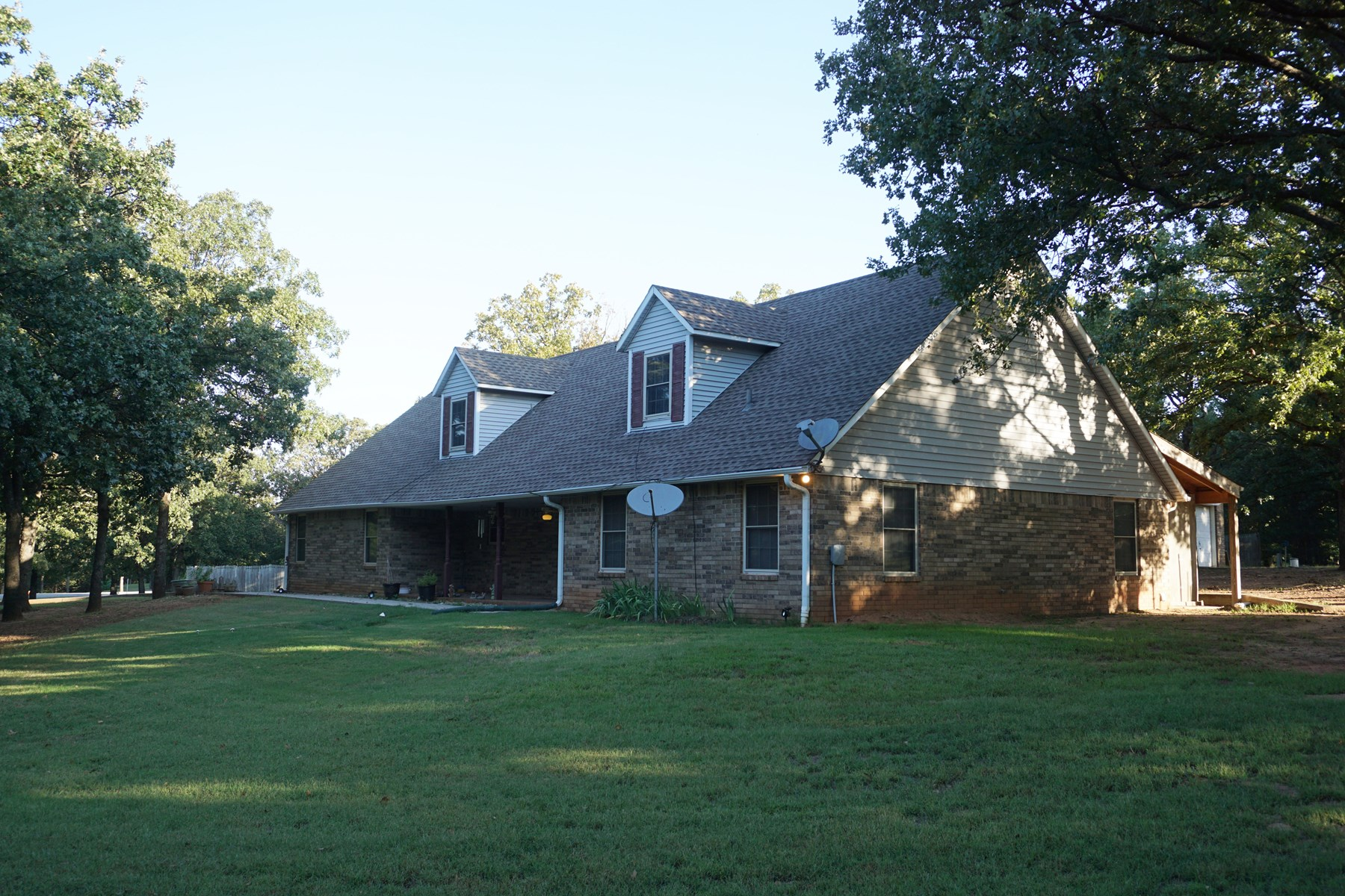Country Home in Chandler, OK Near Golf Course