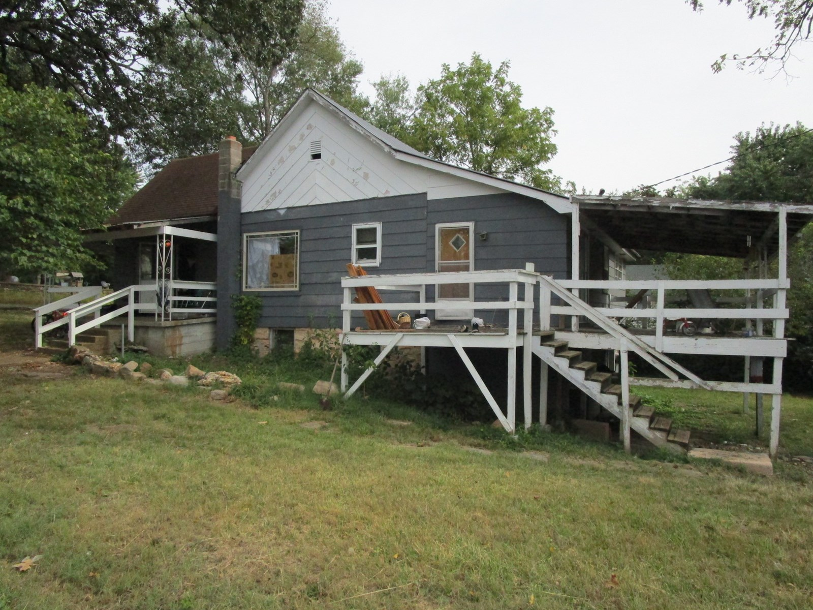 House in Town for Sale in the Southern Missouri Ozarks