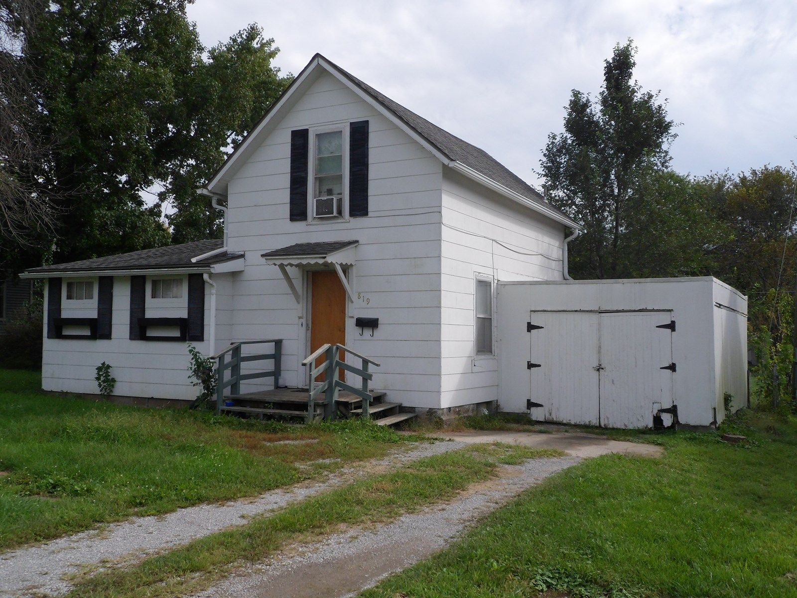 GREAT INVESTMENT - CAMERON MO HOME FOR SALE
