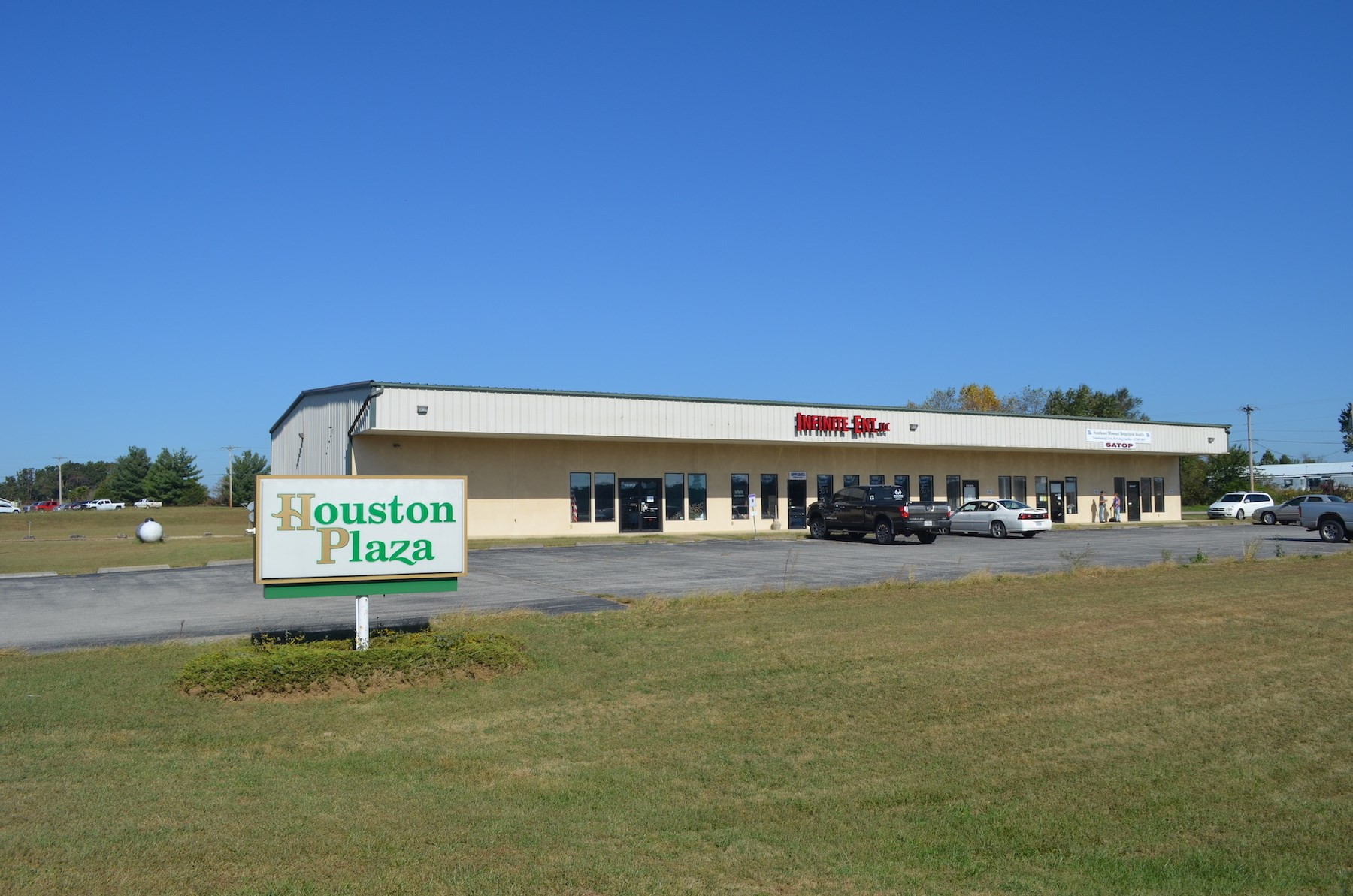 Commercial Building and Land for Sale in Southern Missouri