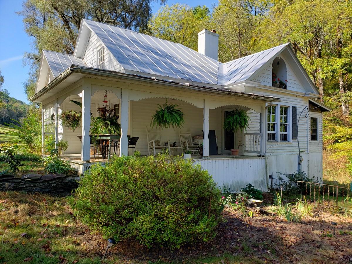Historic Blue Ridge Mountain Cottage.