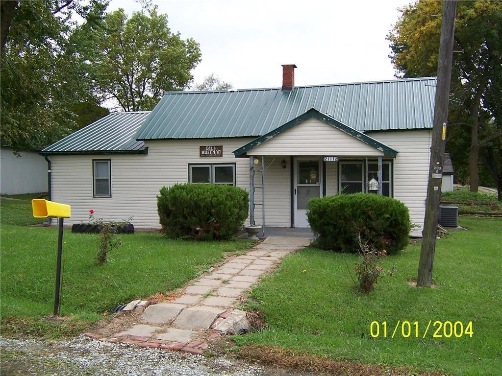 3 Bedroom Home on Almost 1/2 Acre For Sale in Great Location