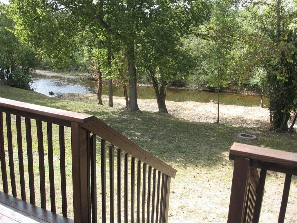 MISSOURI OZARKS RIVERFRONT PROPERTY