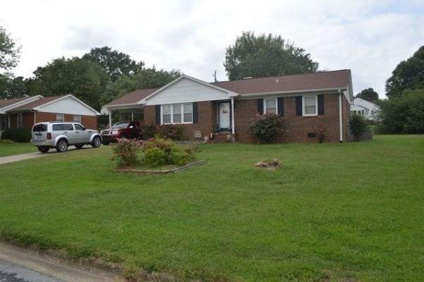 House in Burlington, NC - Alamance County