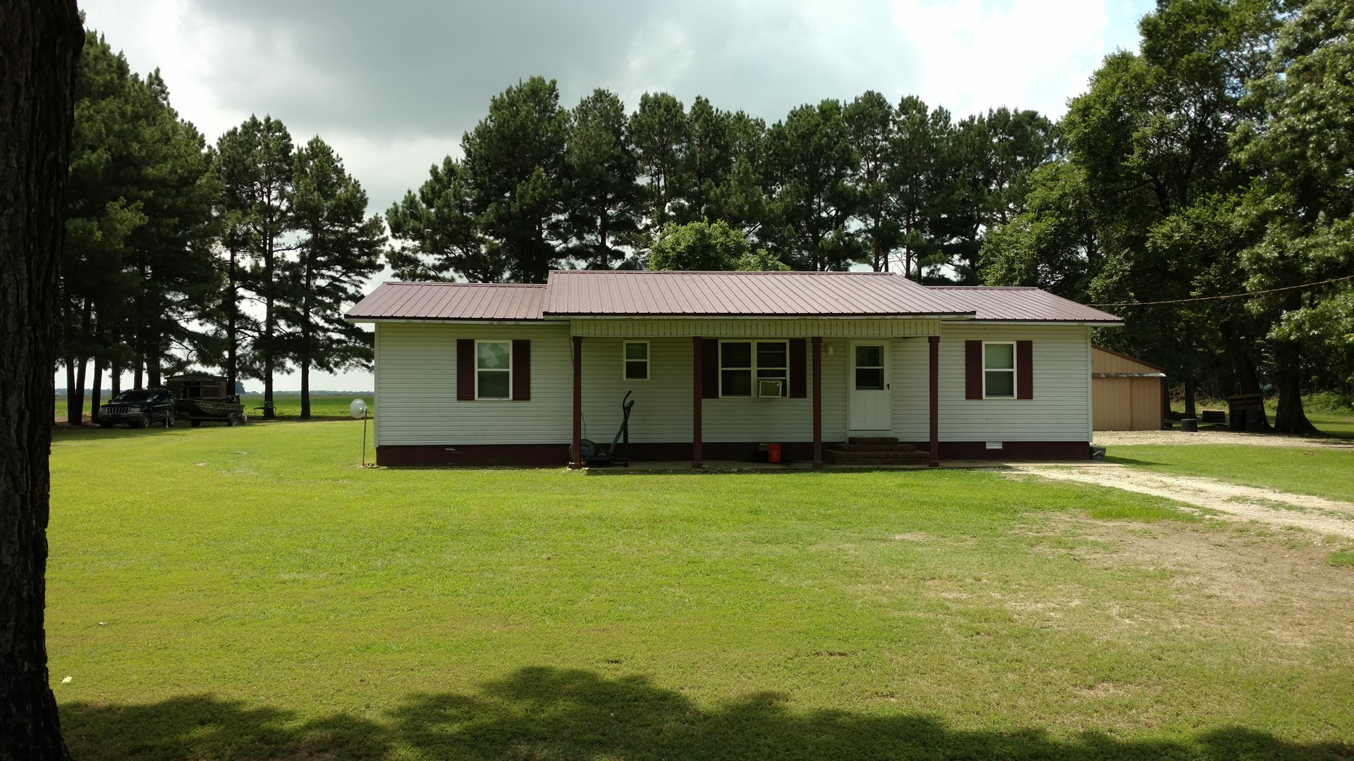 Country Home For Sale In Duck Country!!!