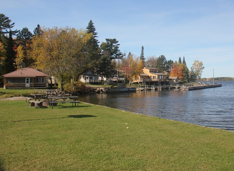 Northern Minnesota Resort For Sale in Kabetogama, MN