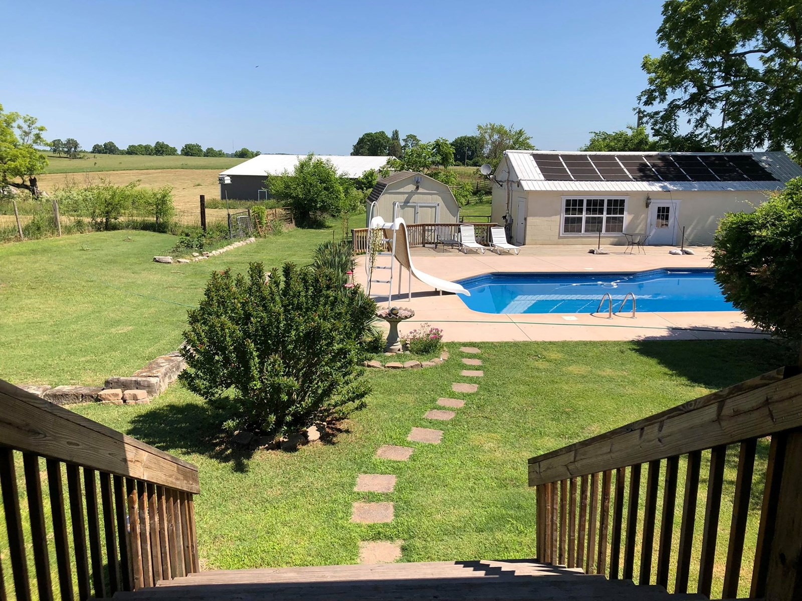 Large home, with pool and land for sale. Ava Mo