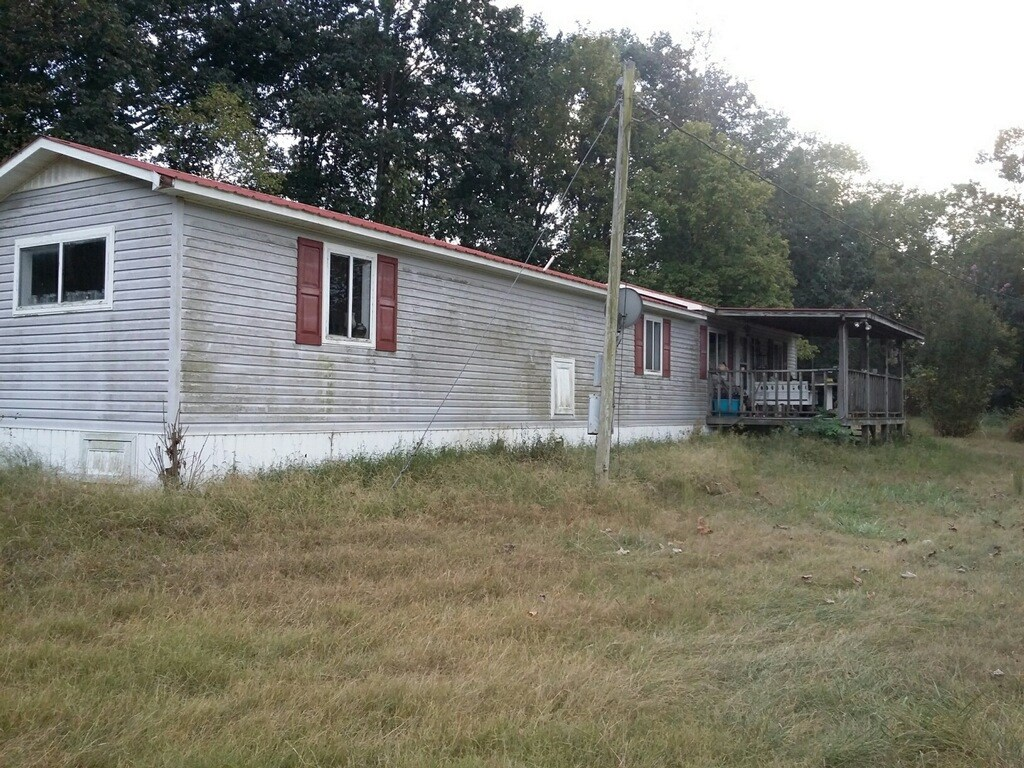 Single Wide Home for Sale in Mount Pleasant, Tennessee