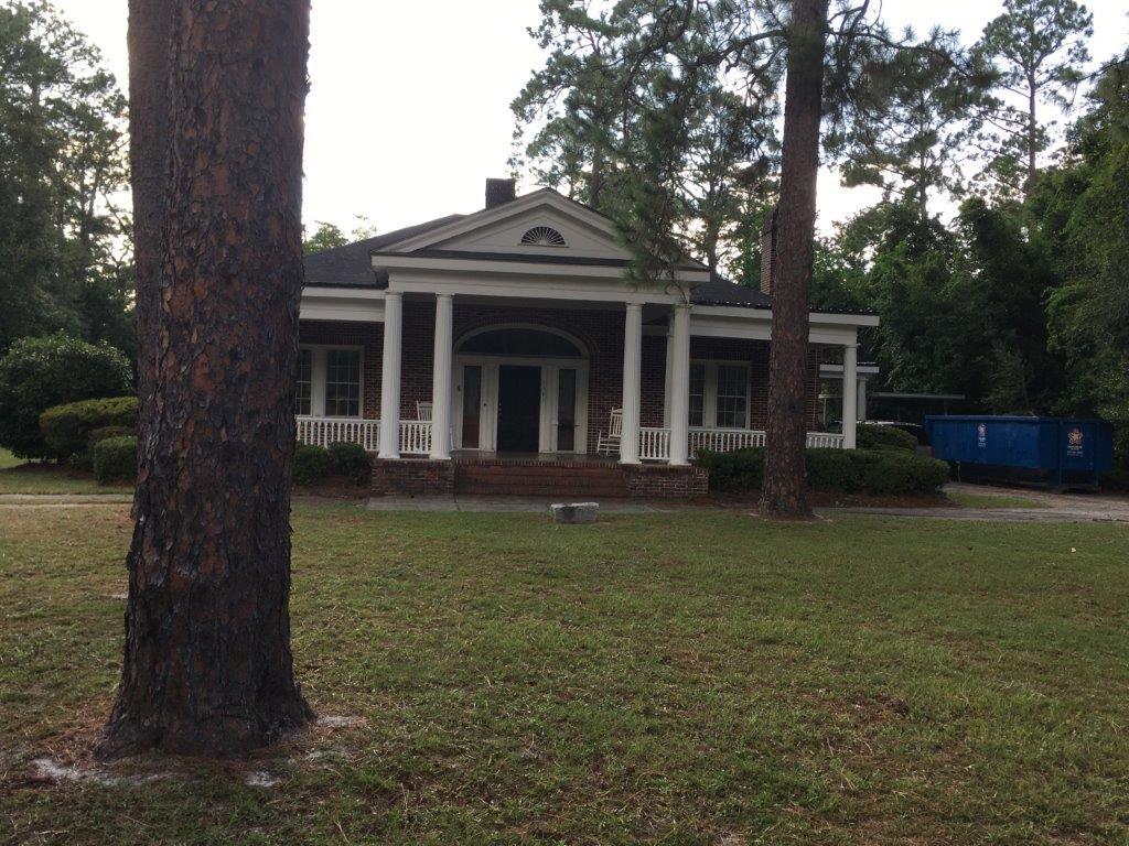 Replica of Thomas Jefferson Monticello Home in Waycross, GA