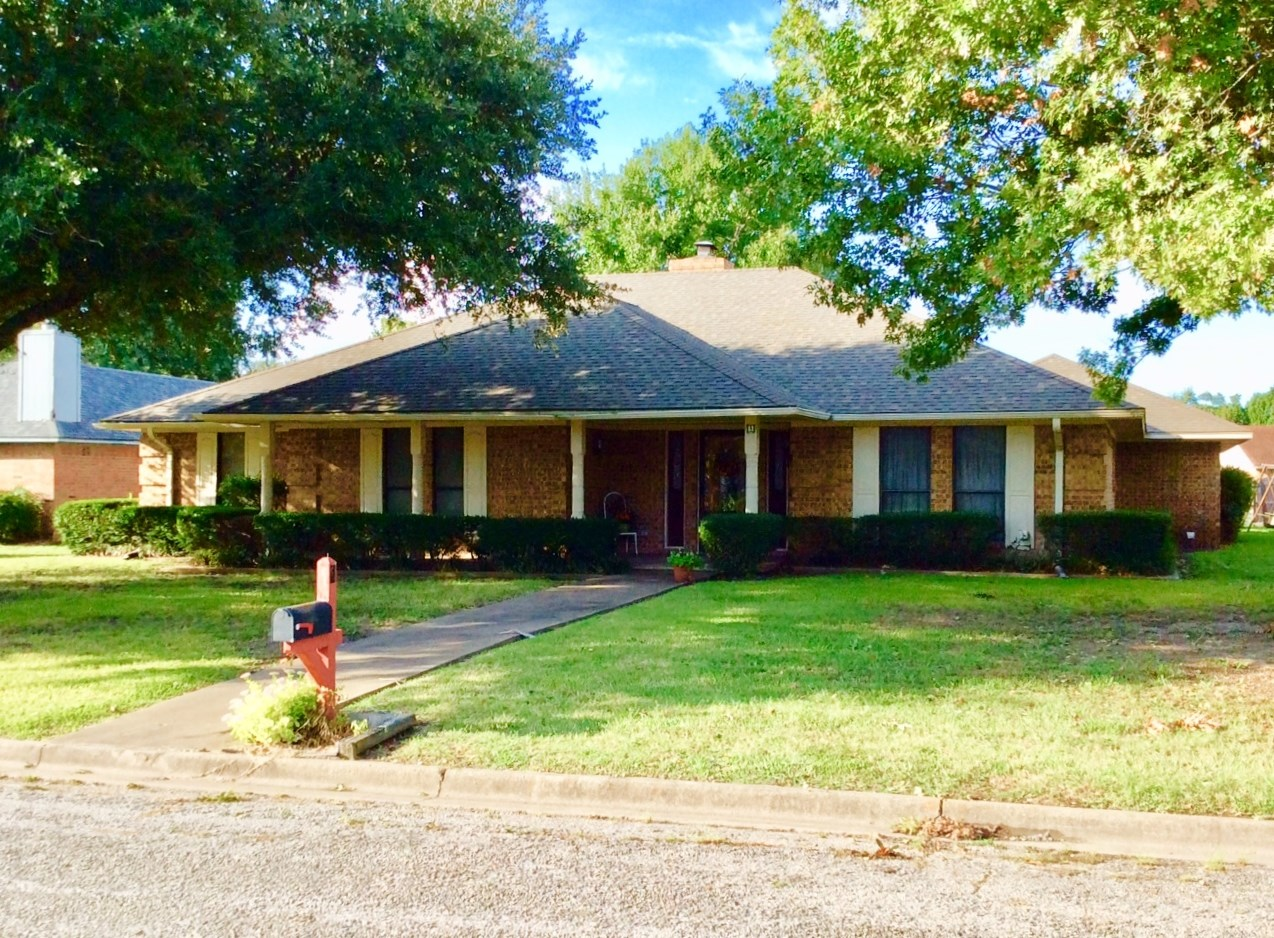 Bonham TX Home In Great Location